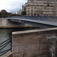 サンルイ橋
