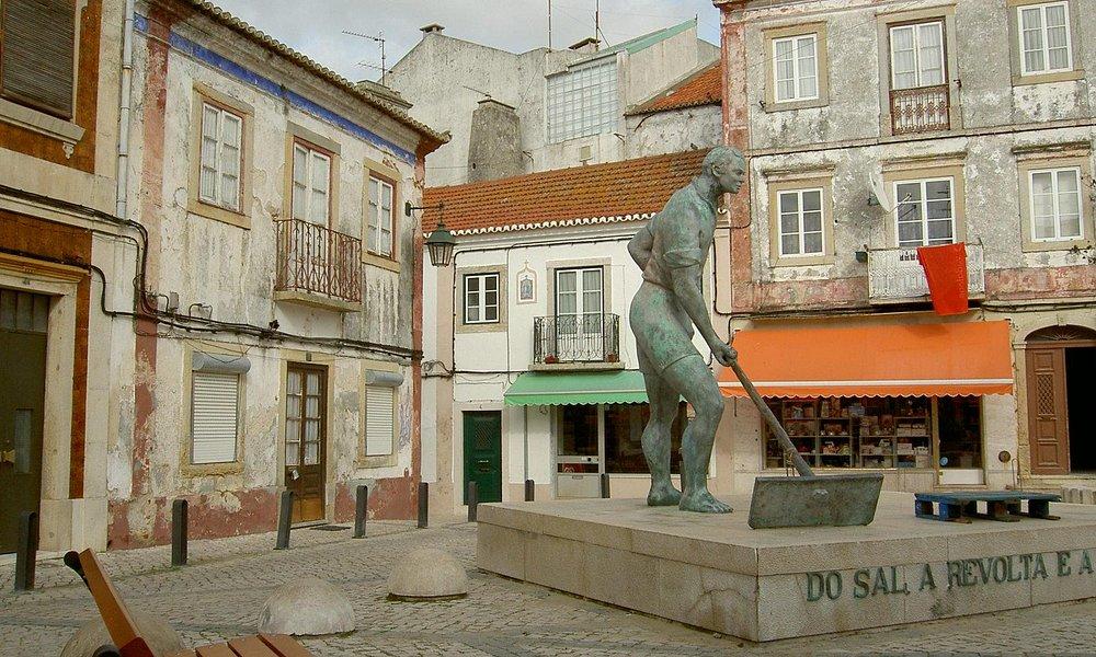 Vila de Alcochete, estatua do salineiro