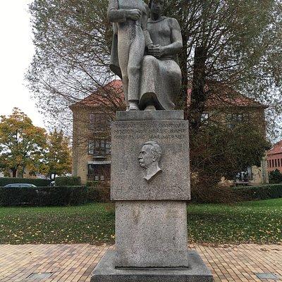 Sønnen - skulptur af  H P Hansen i Genforeningshaven i Åbenrå