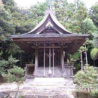 都玉(くにたま)神社の社殿