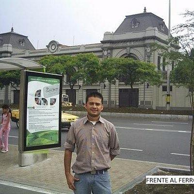 Frente al tranvía