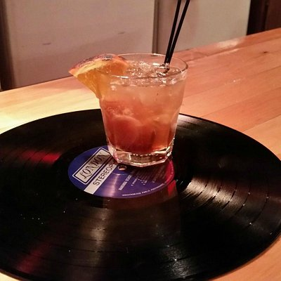 Cocktails and vinyl - a great combination!