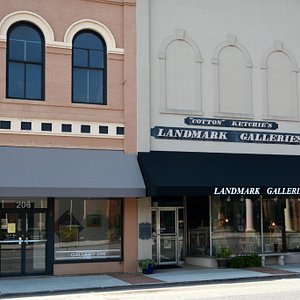 Two Galleries Next to Each Other