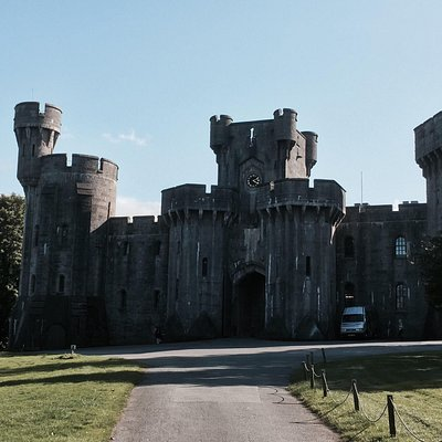 Just one of the many castles you can visit with us at Kingdom Private Tours.