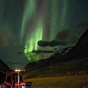We offer custom made Northern Lights tours.