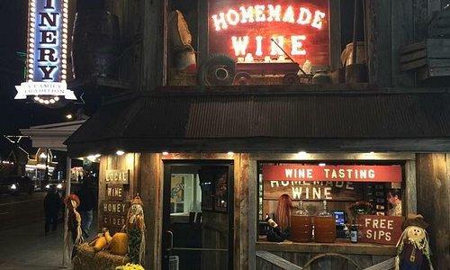 Free Wine Tastings 7 days a week in Downtown Gatlinburg. Open year round.