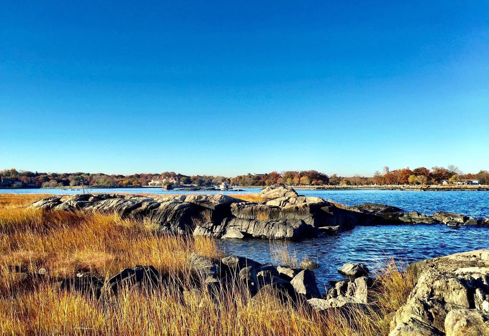 Hunter Island, Kazimiroff Nature Trail Bronx