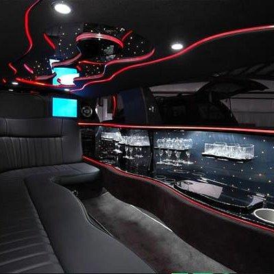 stretch lincoln interior