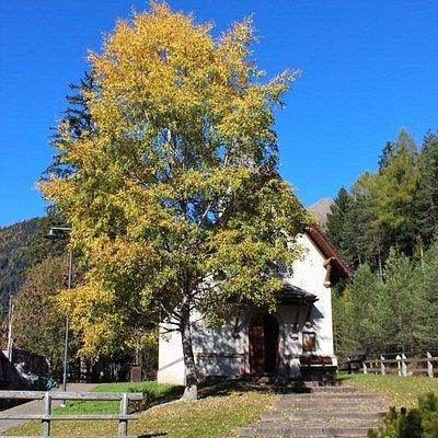 La cappella nel foliage