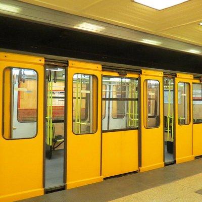 地下鉄1号線 車両景観