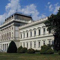 Hauptgebäude der KF Uni Graz