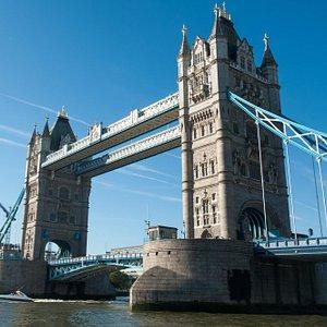 Shaken Not Stirred speeding under Tower Bridge