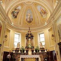 vista dal centro della chiesa