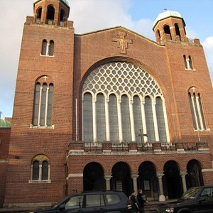 The front facade is elegant yet simple - just what you want with a Franciscan church