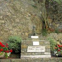 Monument en la mémoire du chien