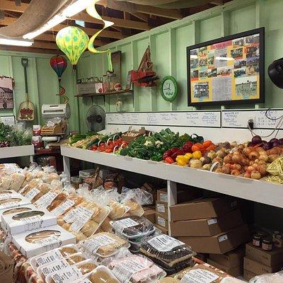 新鮮な野菜やパン