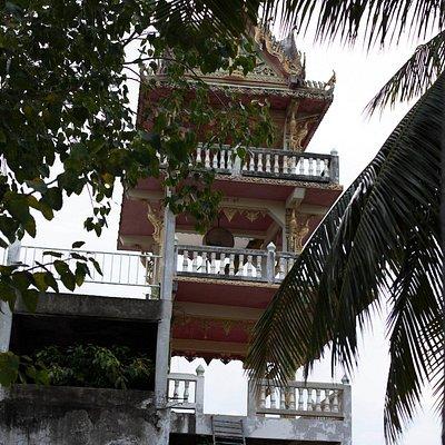 Wat Khao Lan Thom
