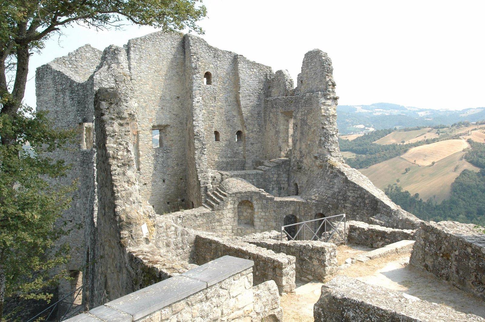 Rovine del Castello di Canossa