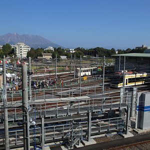 資料館からの眺望。市電車庫と桜島が一望できます。