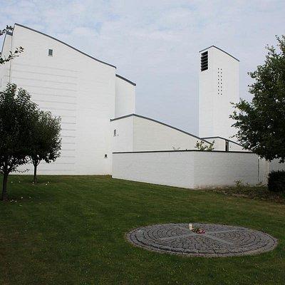 Tornbjerg kirke ude