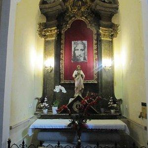 Side altar dedicated to Jesus