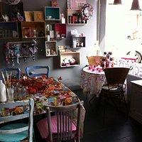 Partagez un agréable moment à la Récré!!! De beaux et bons gâteaux, des thés originaux et des ac