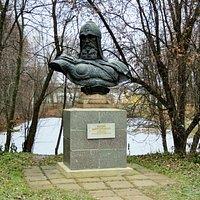 Переславль-Залесский. Памятник Юрию Долгорукому.