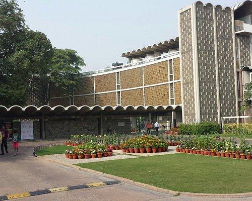 Een heerlijke oase van rust en extotisch groen in het zuiden van het hectische metropool Delhi