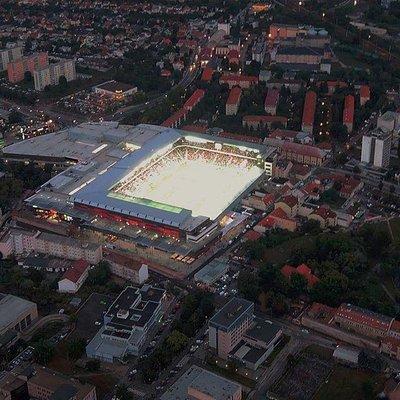 Štadión Antona Malatinského počas večerného zápasu