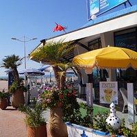 plage bleue terrasse