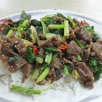沙茶羊肉(90元):絶品