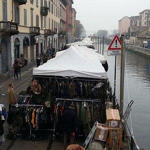 Il mercatino lungo i Navigli