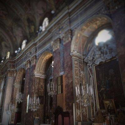 Igreja dos muitos Lustres