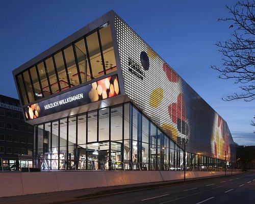 Das Deutsche Fußballmuseum bei Nacht