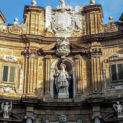 Quattro Canti façade