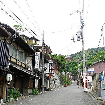 Kiyomizu-Zaka Street