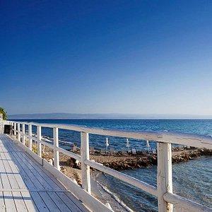 WhiteSuites Resort