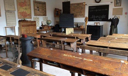 salle de classe 1900