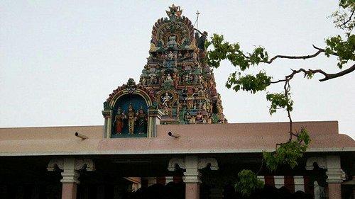 Subrahamanya-or-Palani-Temple-Kodaikanal-1281-jpg-images-attractions-800x450-1405694260-cropped_