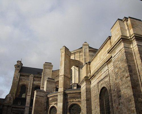 St. Vaast Outside