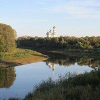 Вид на набережную и Кремль от памятника 800-летия