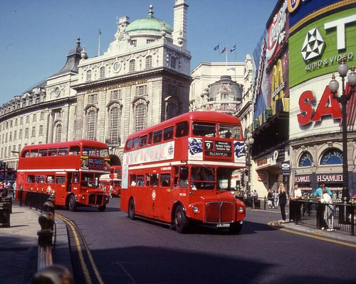 Routemaster bus in Piccadilly
