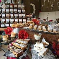 buffet di dolci e grappe ai sapori Dolomitici