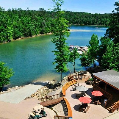 Located on beautiful deep, clean Smith Lake in North AL