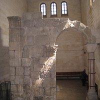 арка древнего храма
