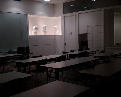 Arture Art & Culture Center at Lotte Shopping Avenue