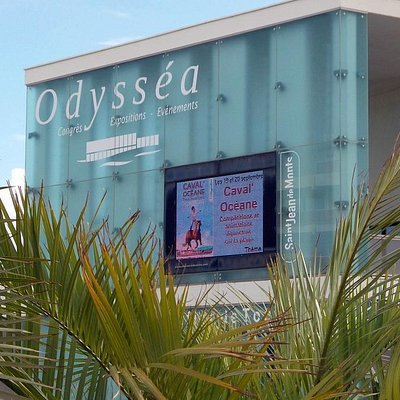 L'Office de Tourisme est situé au rez-de-chaussée du Palais des Congrès Odysséa