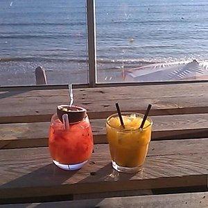cocktail à base de fruits de la passion et de mangue : délicieux