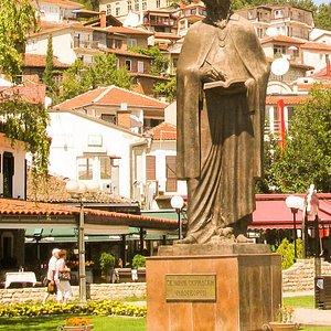 Памятник Святому Науму Охридскому