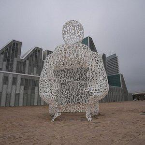 Скульптура у дворца